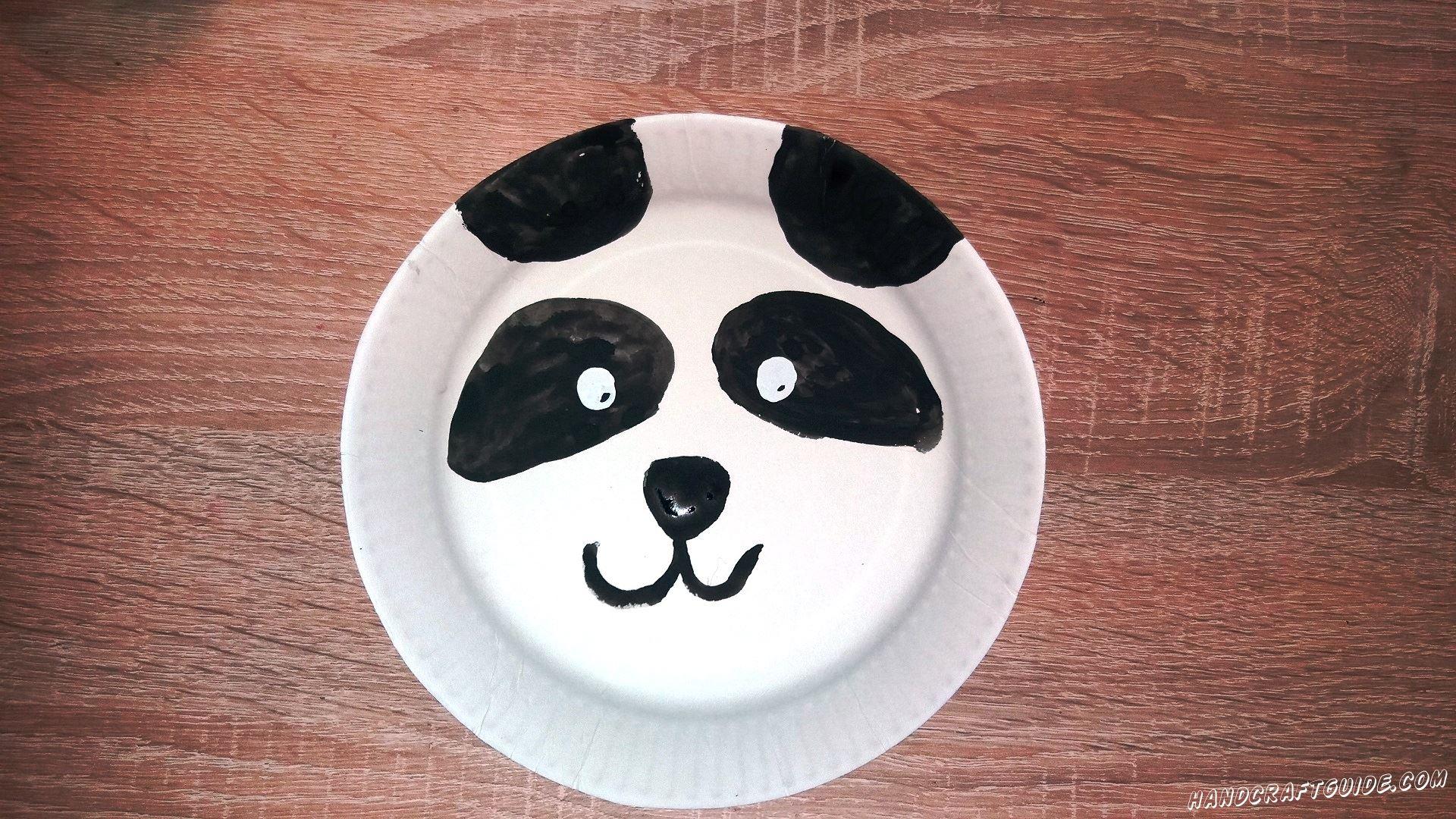 морда панды из пластиковой тарелки своими руками