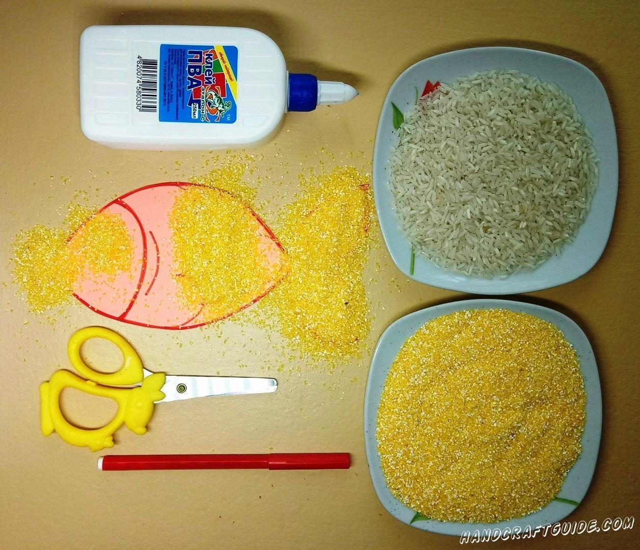 аппликация рыбки из пшена и риса