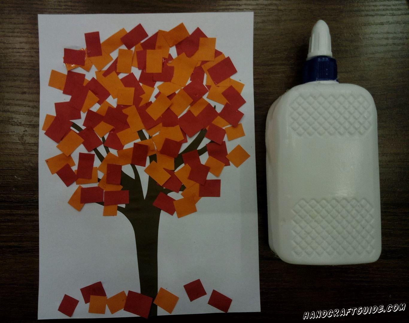 аппликация осеннего дерева из цветной бумаги