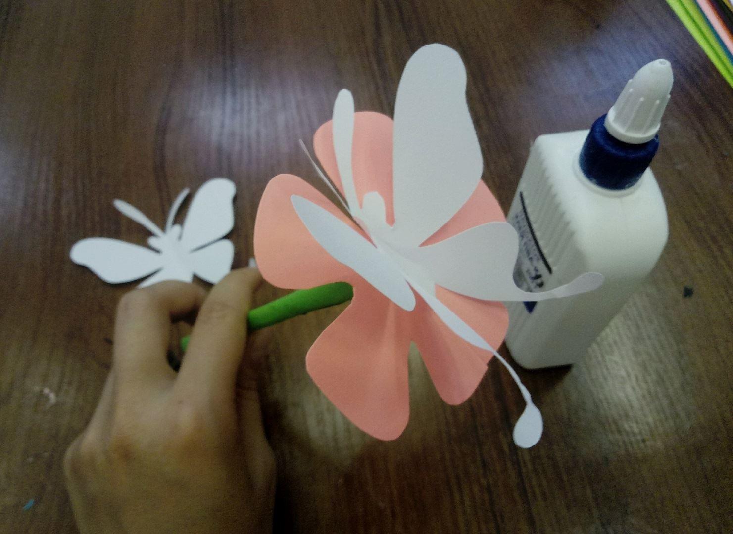 Поделки для детей из гофрированной бумаги. Бабочки
