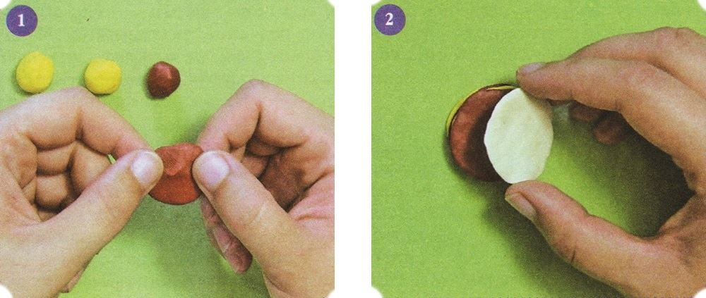 """Roll 2 small balls of the same size out of brown and yellow clay and 1 out of white. Flatten them to get 5 """"pancakes"""" of the same diameter."""