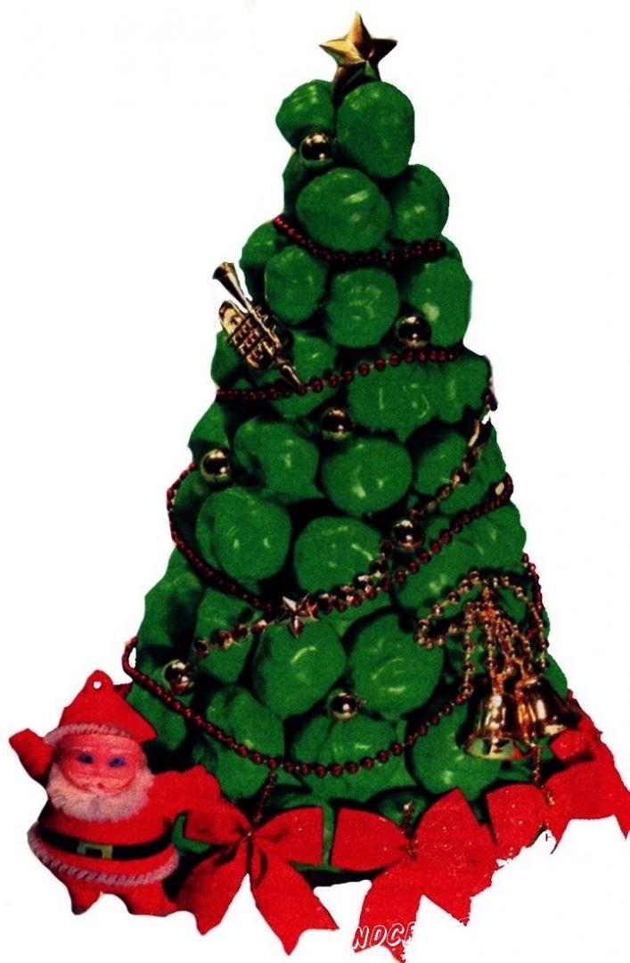 поделка Новогодняя Ёлка из каштанов своими руками