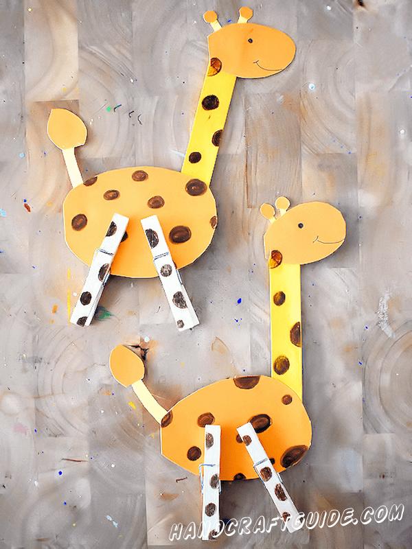 жирафы из подручных материалов
