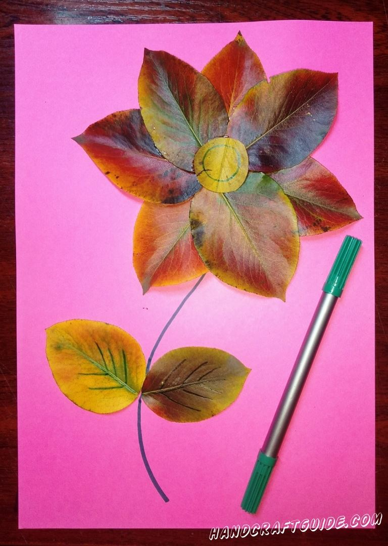 цветок из осенних листьев своими руками