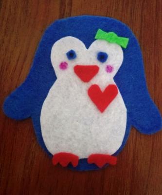 Сейчас мы сделаем замечательного пингвина из фетра, своими руками.