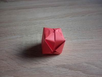 Кубик из бумаги для различных детских игр, сейчас сделаем своими руками.