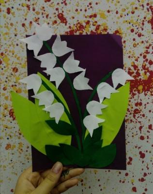 Здравствуйте, друзья. Сегодня мы сделаем очень красивые цветочки своими руками.