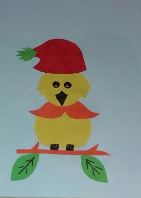 Открываем модный сезон вместе с птичкой из цветной бумаги, в красивой шапочке.