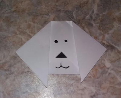 Сейчас мы сделаем милую собачку с помощью стиля оригами