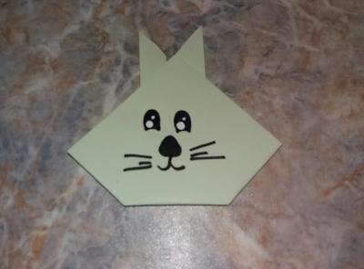 Милого зайчика, с помощью стиля оригами, мы сделаем прямо сейчас!