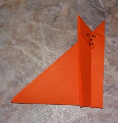 Продолжим покорять просторы поделок в стиле оригами. Сейчас мы научимся делать прикольного котика.