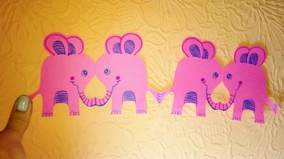 Укрась свою вечеринку такой вот замечательной гирляндой и слоников. Сейчас мы покажем как их сделать.