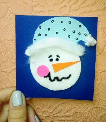 портрет снеговика аппликация из ватных дисков