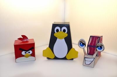 Собираем замечательные бумажные фигурки! Скачай схему выполнения игрушки пингвина и пополняй свой запас игрушек.