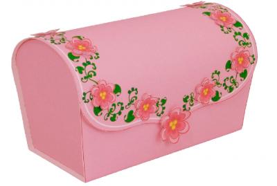 Запакуй свой подарок в красивую коробочку, сделанную своими руками. Схема коробочки в трёх разных цветах можно скачать одним файлом, прямо сейчас.