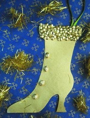 """Новогодние игрушки своими руками - это просто! Присоединяйтесь к выполнению поделки """"Золотой сапожок """"и сами во всём убедитесь"""